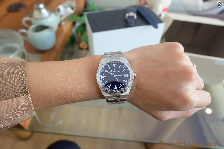 dong-ho-vacheron-constantin-overseas-blue 9.JPG